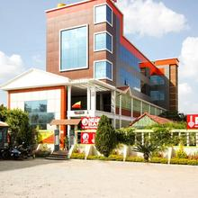 OYO 7096 Elite INN in Mathigiri