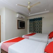 Oyo 7366 Gpr Inn in Tirupati