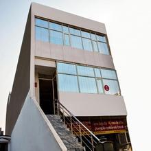 OYO 7372 Platinum Inn in Chandigarh