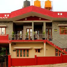 Oyo 7505 Home Stay Madikeri in Napoklu
