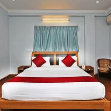 OYO 7552 Hotel Sky Grand Deluxe in Himayatnagar