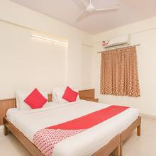 Oyo 7669 The Trinitywood Hotel in Bengaluru
