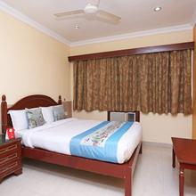 OYO 7786 Hotel Monsoon Palace in Kamakhya Temple