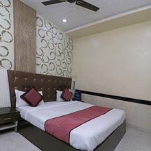 Oyo 7885 Hotel Myraa in Mathura