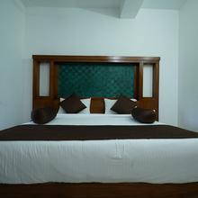 OYO 7966 Laacienekkas Valley Resort in Kumudi