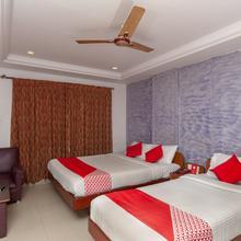 Oyo 8042 Sri Srinivasar Residency in Tiruvallam
