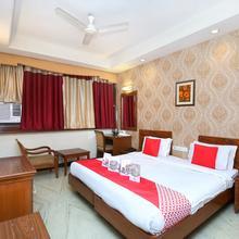 Oyo 808 Hotel Alora in Chandigarh