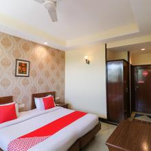 OYO 808 Hotel Auzone & Spa in Chandigarh