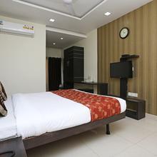 Oyo 8173 Hotel Singh Palace in Raipur