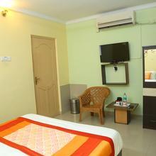 Oyo 8180 Ramas Residency in Srikalahasti