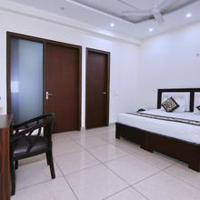 OYO 8205 Hotel Petals Inn in Noida