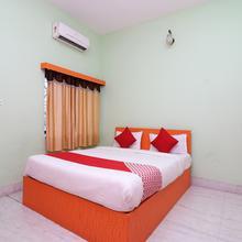 Oyo 8238 Amar Bangla in Champahati