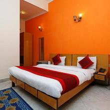 OYO 834 Hotel Aashirwaad in Ballabhgarh