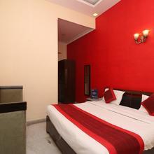 OYO 834 Hotel Aashirwaad in Dhauj