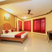 Oyo 8499 City Comforts Inn in Cherambane