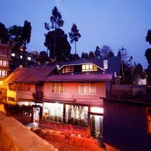 OYO 8577 Isabel Guest House in Darjeeling