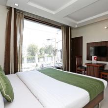 OYO 8590 Hotel Sea in Kauli
