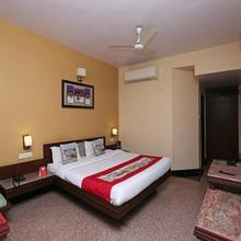 Oyo 8600 Hotel Deepali Executive in Aurangabad
