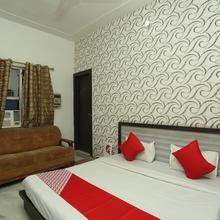 OYO 8607 Hotel Sky Inn in Hisar