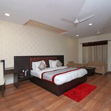 Oyo 8620 Sparsh Hotels And Resorts in Bareilly