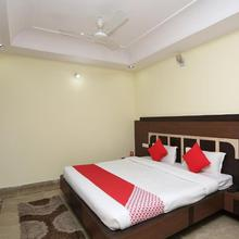 Capital O 8625 Yogendra Residency in Dhutra