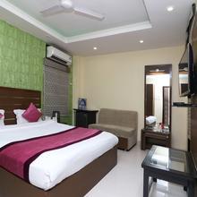 OYO 8657 Hotel Acumen in Mohanlalganj