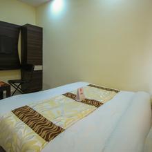 OYO 8814 Hotel CG Plaza in Sarkhej