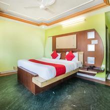 OYO 8832 Hotel Jaipur Classic in Dhanakya