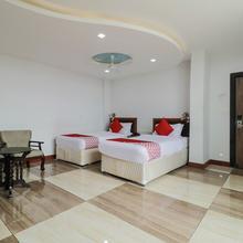 OYO 8867 Hotel Jaya Grand Deluxe in Bandarupalle