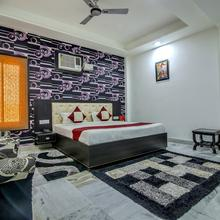 Oyo 8888 Riga Home Stay Agra in Agra