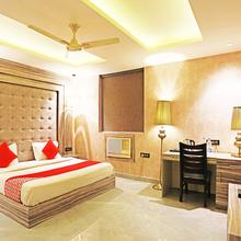 OYO 8902 Hotel Ronald Inn in Faridabad