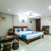 Oyo 893 Hotel Seven in Ahmedabad