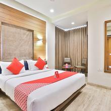 OYO 8992 Hotel Kyra in Gandhinagar