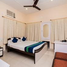 Oyo 8998 Hotel Aayash in Gauripur