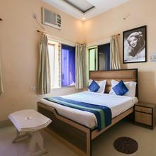 OYO 8998 Hotel Aayash in Kolkata