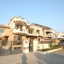 OYO 9049 Pearl Grand in Chandigarh