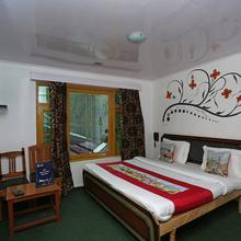 Oyo 9083 Hotel New Tourist Palace in Pahalgam