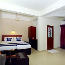 OYO 9116 Thamburu International Hotel in Perumkulam