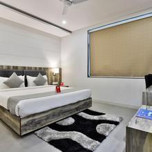 Oyo 9120 Hotel Limra in Vadodara