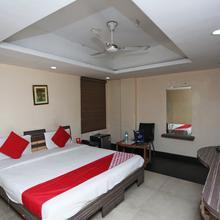 Oyo 9131 Hotel Apsara in Raipur