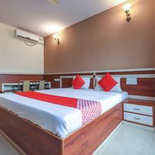 OYO 9248 Hotel Shrinidhi in Golhalli