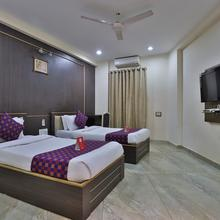 OYO 9512 Hotel Tulsi in Vadodara