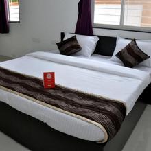 Oyo 9533 Hotel Milind Villa in Pune