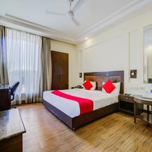 OYO 9553 Hotel Kings Plaza in Faridabad