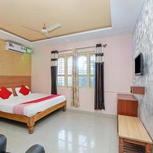 OYO 9592 Maharaja Palace Resort in Kushalnagar