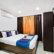 OYO 9627 Hotel Srinivasa Central in Hyderabad