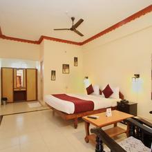 OYO 9630 Hotel Maharaja in Kushalnagar