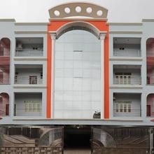 Oyo 9658 Hotel Madhuram in Dighwara