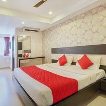 Oyo 9659 Hotel Rr Grand in Palayam