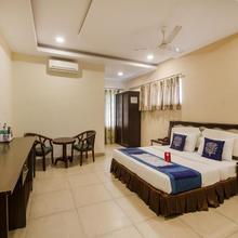 Fabexpress Sravya Residency in Himayatnagar